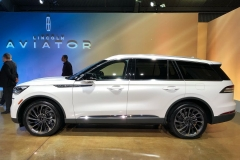 Lincoln Aviator 4
