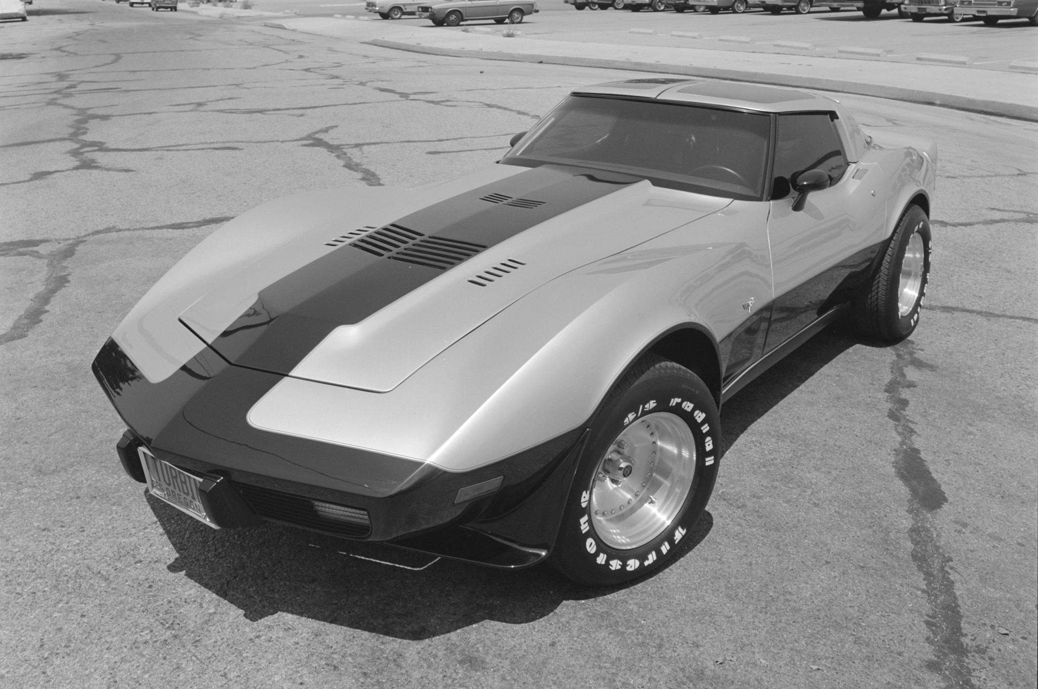 1978-Chevrolet-Corvette-Turbine-by-Vince-Granatelli-front-three-quarter