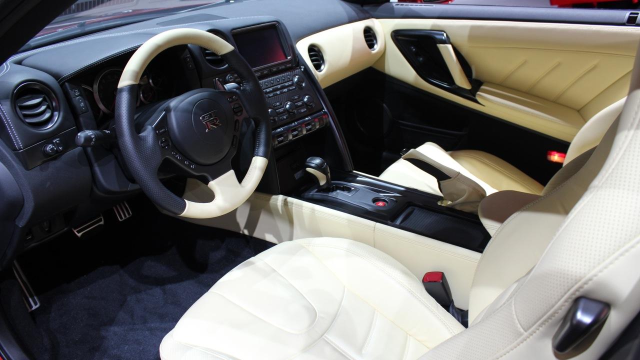 cc_ep547_la_auto_1806_sm
